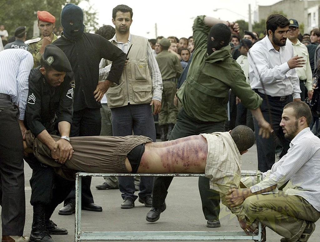 наказание плетьми в иране_.jpg