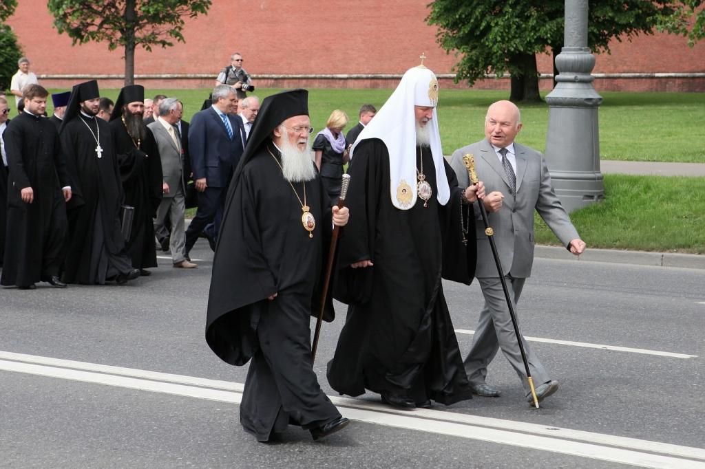 Кирилл и Лужков_.jpg